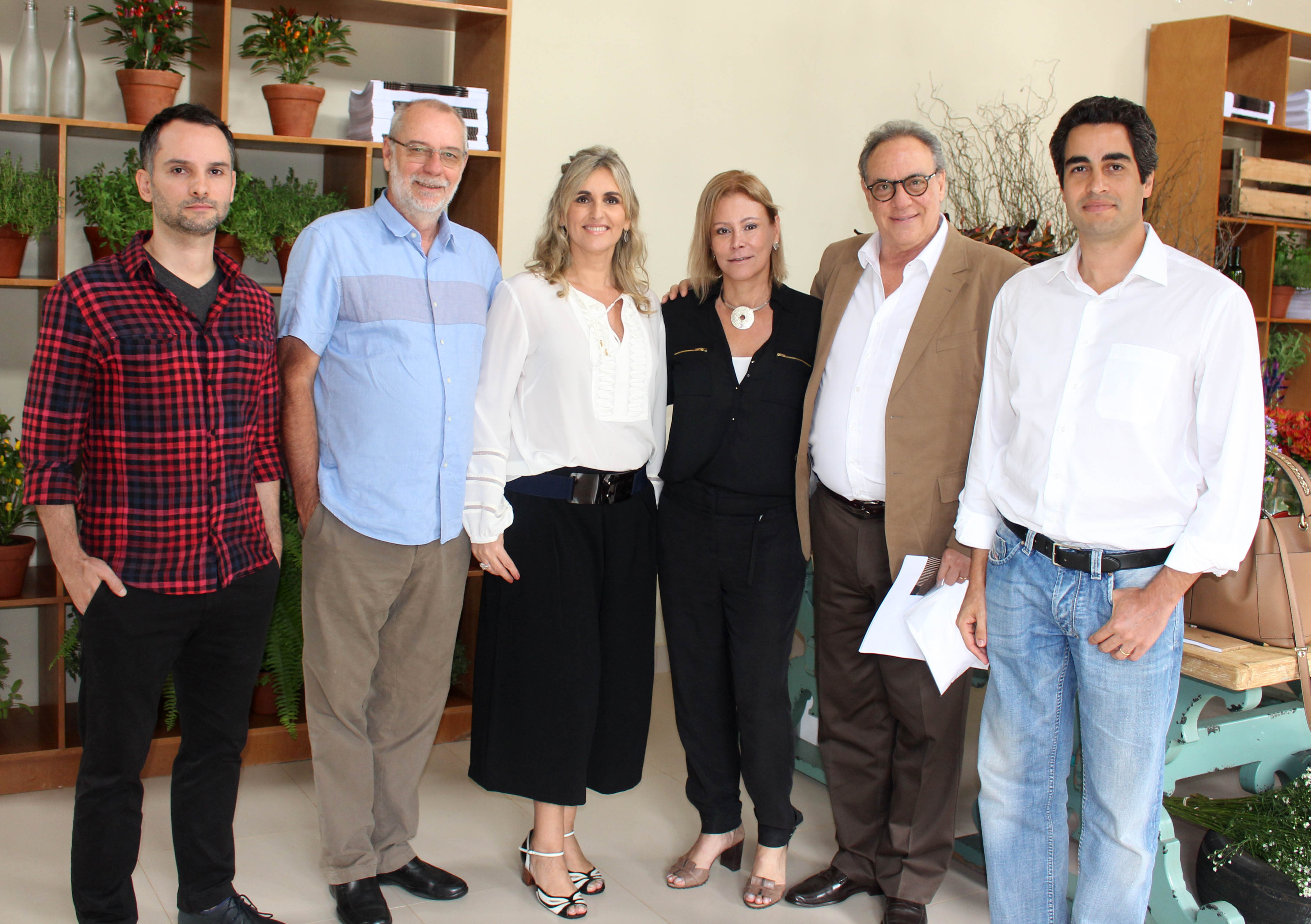 Elaine Criscuolo_Maria Claudia de Oliveira e os palestrantes Lair Reis_ Hugo França_Ricardo Julião e Ricardo Cardim