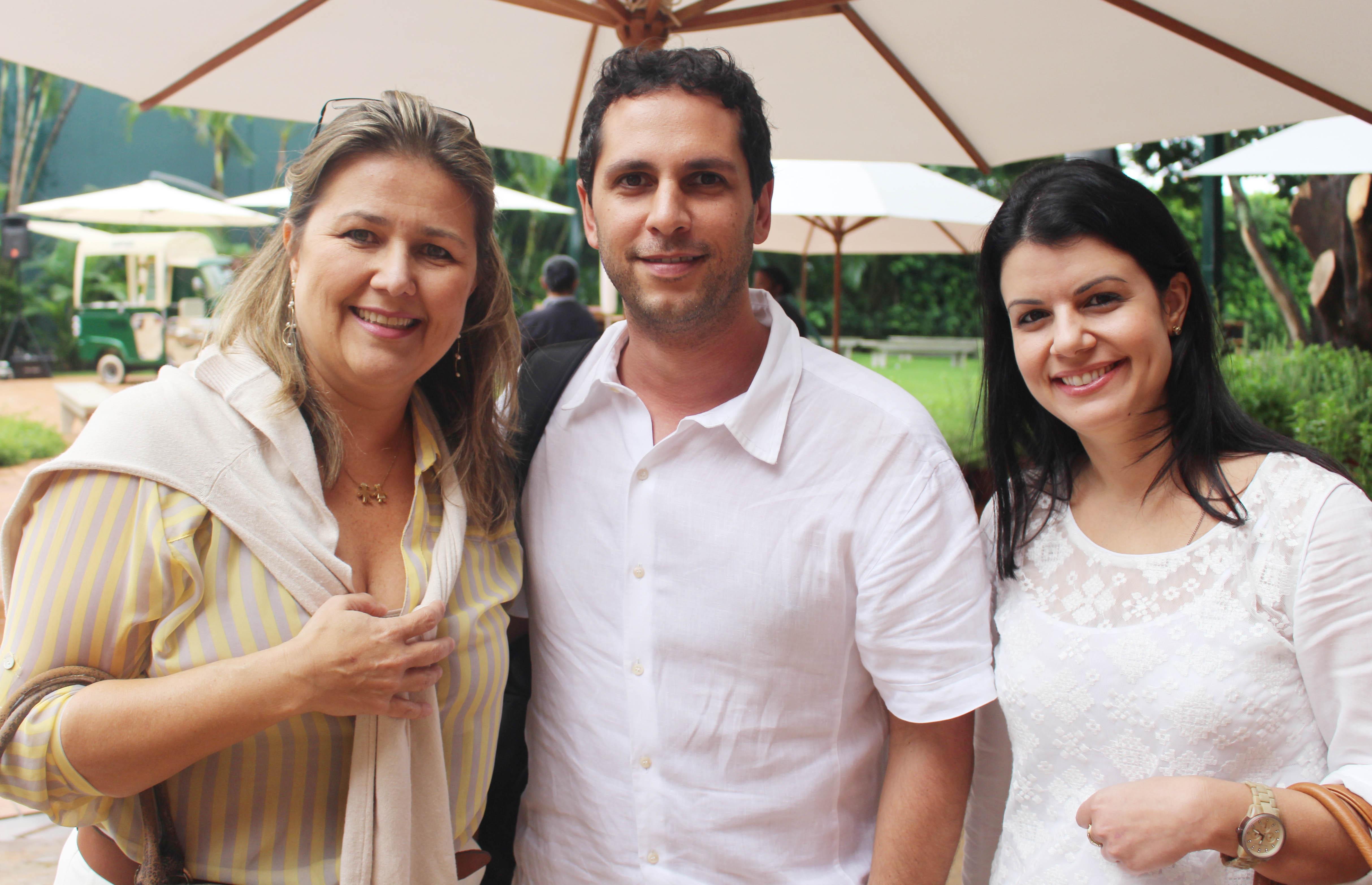 Renata Pedreschi Bernardes_Eduardo Correia e Luciana Reis